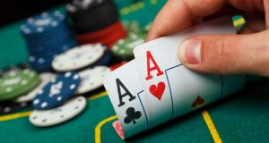 Bertahan di Turnamen Poker Online Pertama Anda